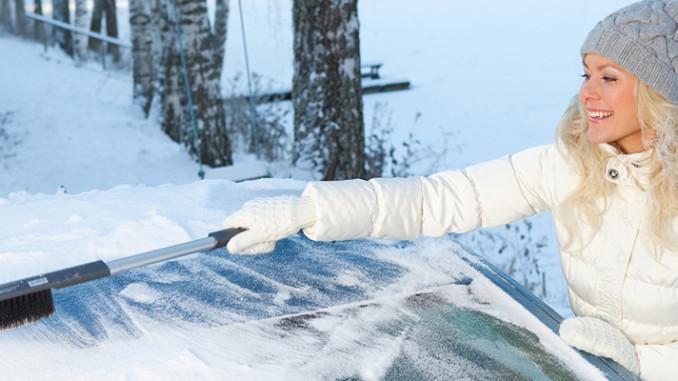 Werbung | Eiskratzen und Schneeschaufeln am Auto – Kungs weiß wie es geht