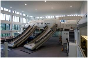 Werbung | Bestmögliche Ausbildung zur fliegenden Ikone: die Stewardessen-Schule von Singapore Airlines Teil II