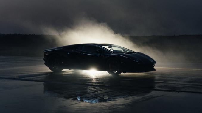 "Werbung | Castrol EDGE: ""Titanium Strong Blackout"" mit Ken Block"