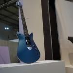 Ford auf dem Salone del Mobile in Mailand – Ausstellungstücke im Stil des Ford GT - Gitarre
