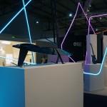Ford auf dem Salone del Mobile in Mailand – Ausstellungstücke im Stil des Ford GT - Stand
