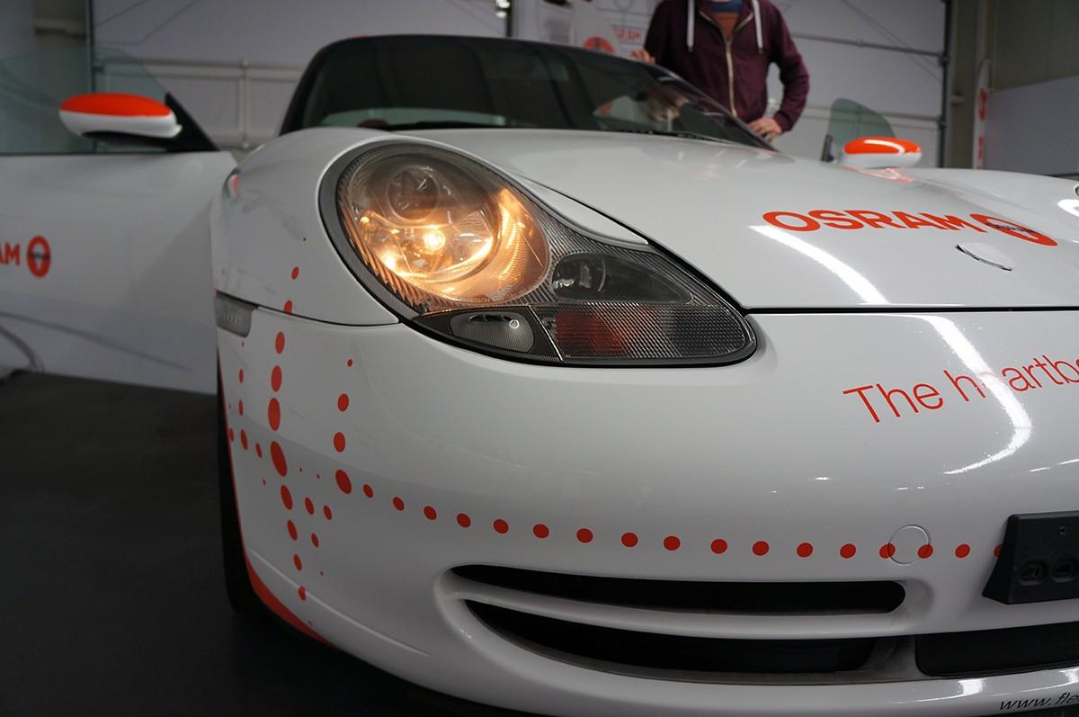 Blick hinter die Kulissen der Osram GmbH – Lichtumbau eines Porsche 911
