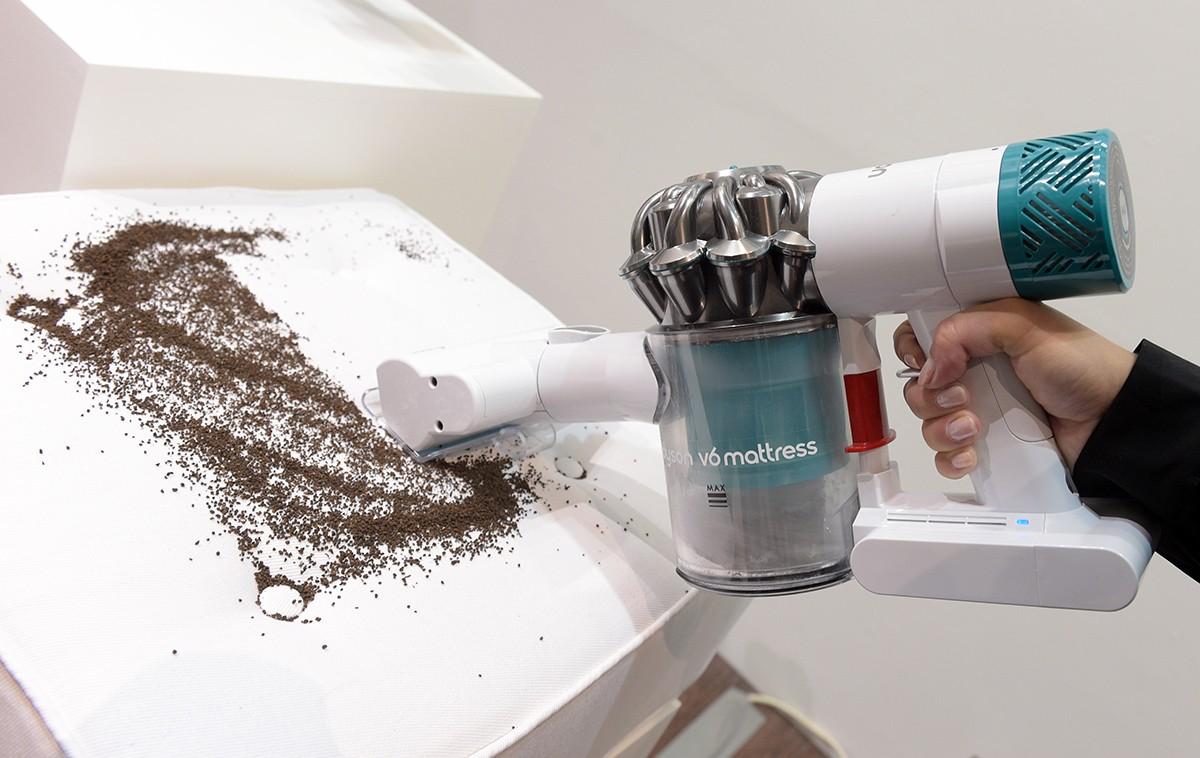 Dyson v6 Mattress – Kabelloser Staubsauger für die Entfernung von Milben und Allergenen #ifa2015