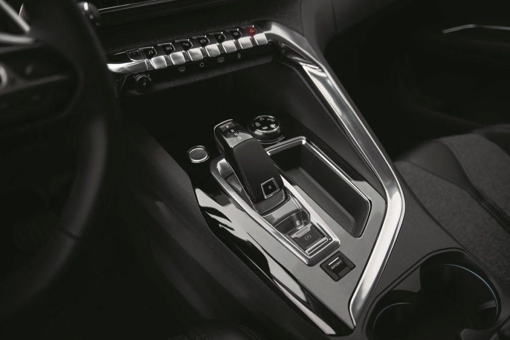 Peugeot-3008-SUV-2016-Trendlupe (4)