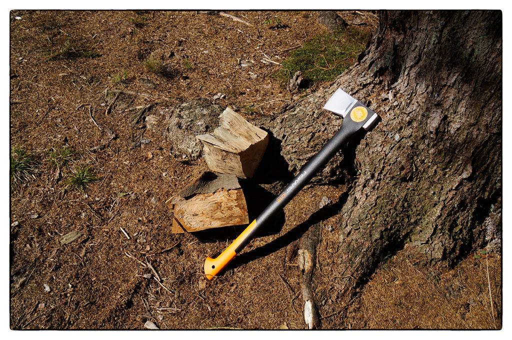 Fiskars Spaltaxt X21 für sicheres Holzspalten