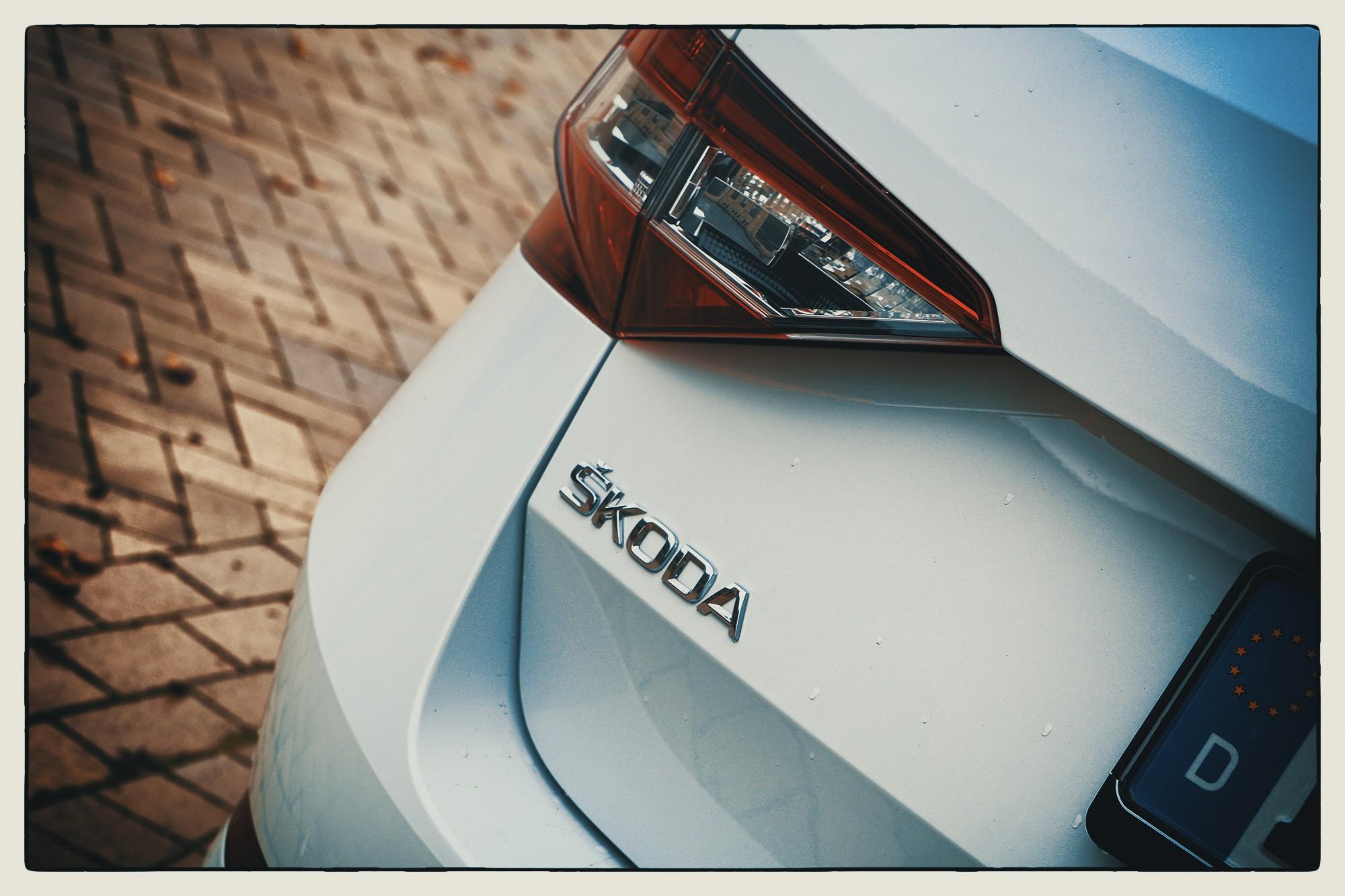Skoda-Superb-Combi_18