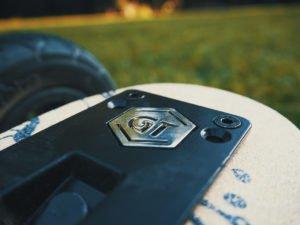 Evolve GT Bamboo All-Terrain – Elektro Skateboard für mächtig Fahrspaß