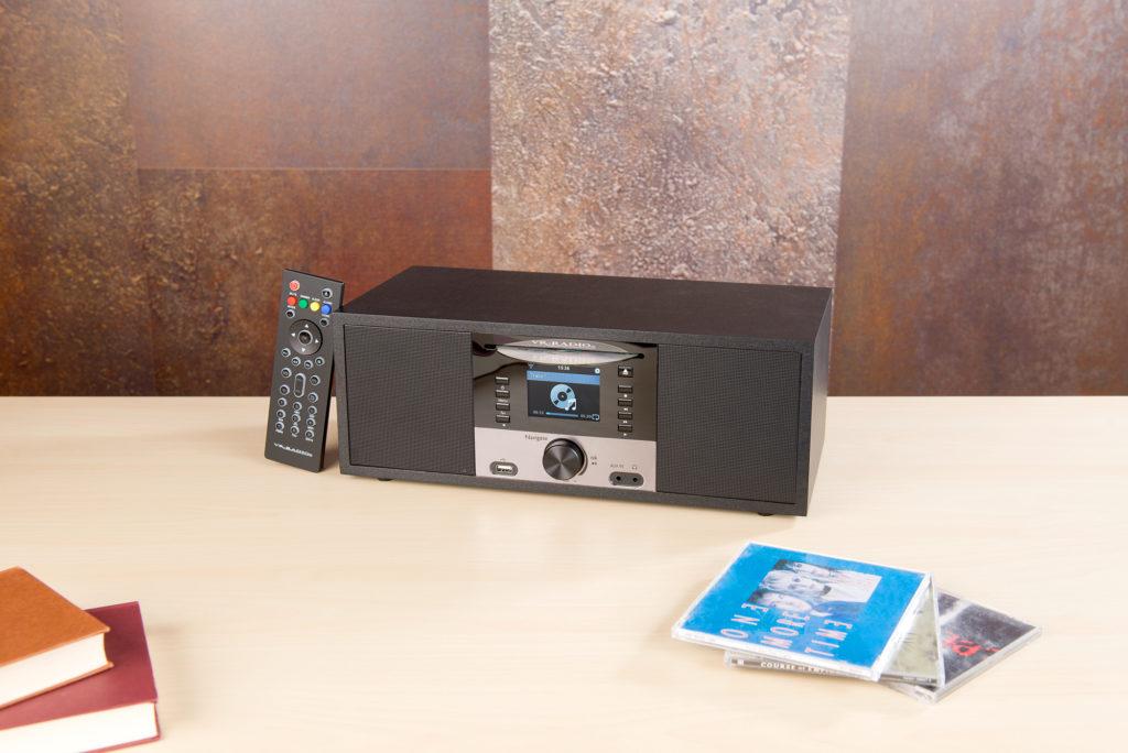 Werbung   Multifunktionelles Internetradio mit CD-Player – IRS-700 von Pearl
