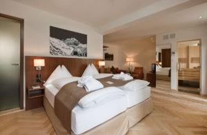 """Waldhotel Davos – Viersterne-Superior-Hotel in den """"Zauberbergen"""""""