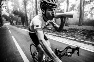 Werbung | Keego, die erste quetschbare Metallflasche für SportlerInnen Elastische Trinkflasche aus Titan wird zum Kickstarter-Erfolg