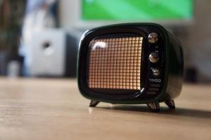 Divoom Tivoo – Retro Bluetooth Lautsprecher mit Smart Pixel Art Display