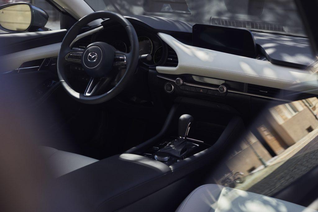 Werbung | Ein Blick auf die inneren Werte des neuen Mazda 3