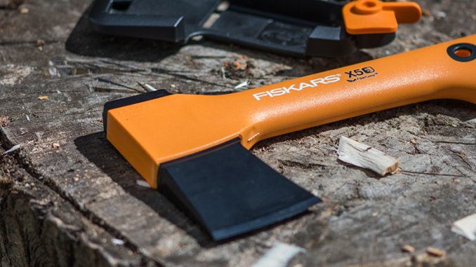 Werbung | Fiskars Freizeitbeil X5-XXS zum Schnitzen und Kaminfeuervorbereitung
