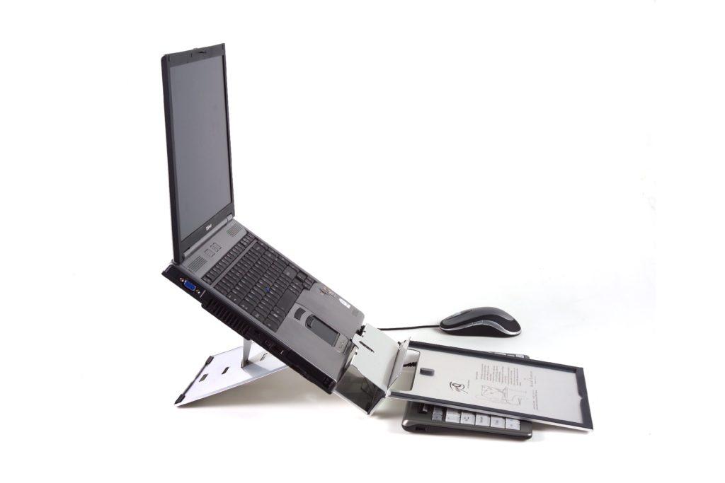 Werbung | Körper schonen und Produktivität steigern – Ergo-Q 260 Notebookständer mit integriertem Dokumentenhalter