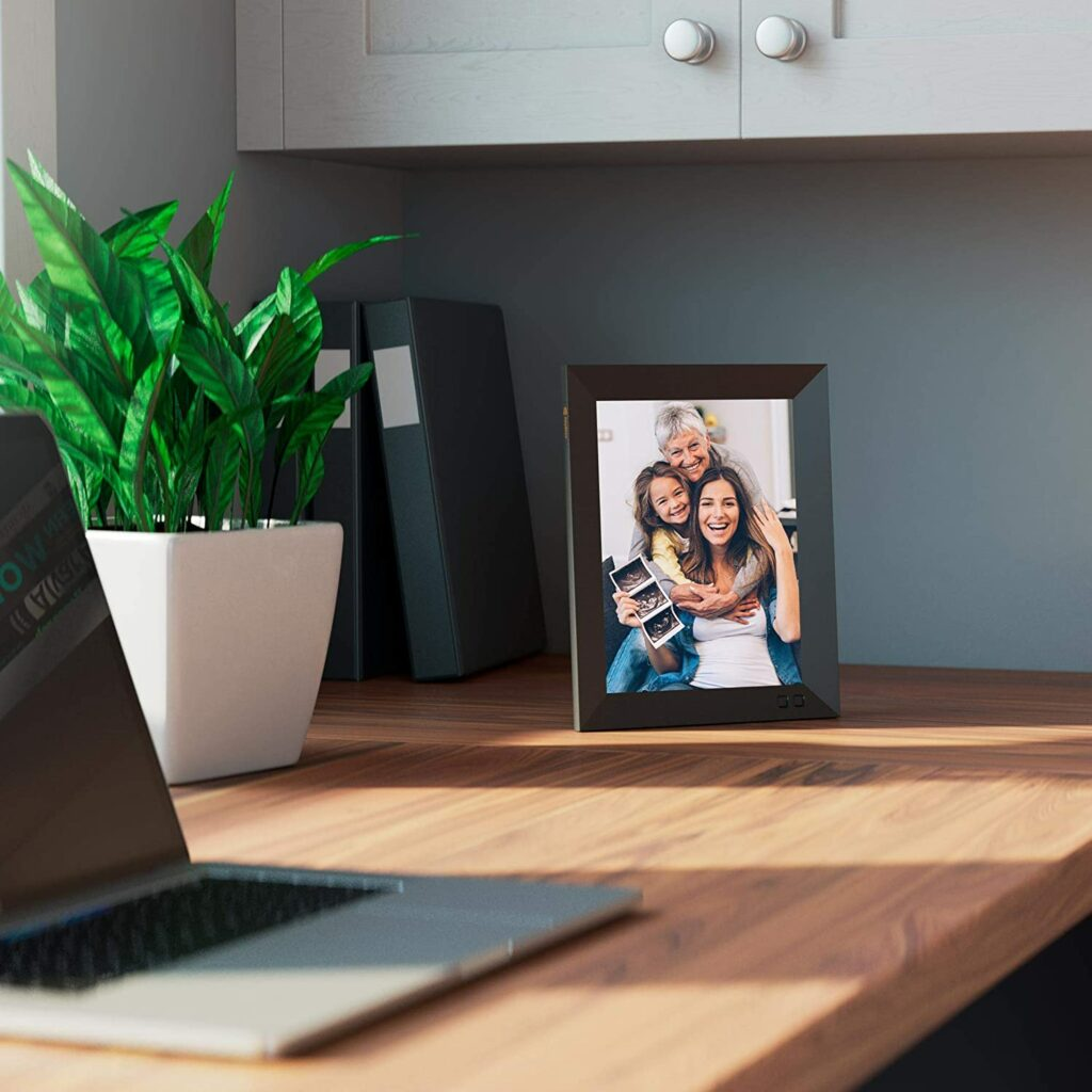 Werbung | Die neuen Nixplay Smart Bilderrahmen - Fotos im Regal oder an der Wand