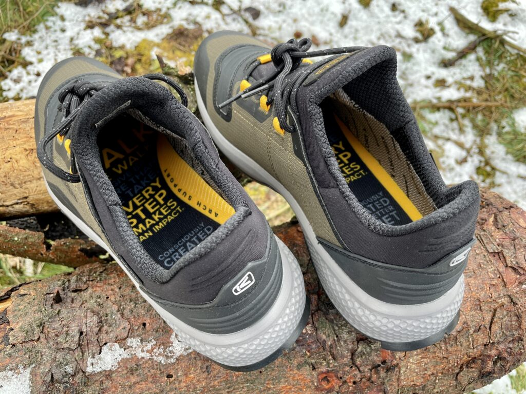 So macht Wandern Spaß: Tempo Flex Waterproof Keen Wandersneaker für Herren