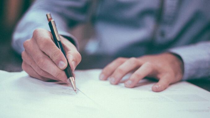 Erstellung eines Arbeitszeugnisses – das sollten Personalverantwortliche unbedingt beherzigen