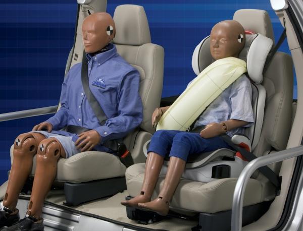 Gurt-Airbag von Ford