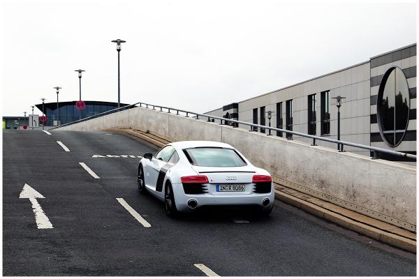 Audi R8 - nur fliegen ist schöner
