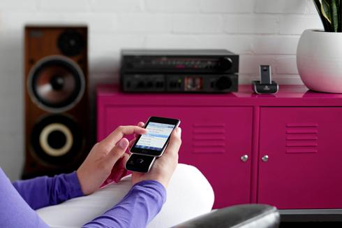 Werbung   Amazillas iWing-Serie – Kabelloses Streaming aus dem Handgelenk