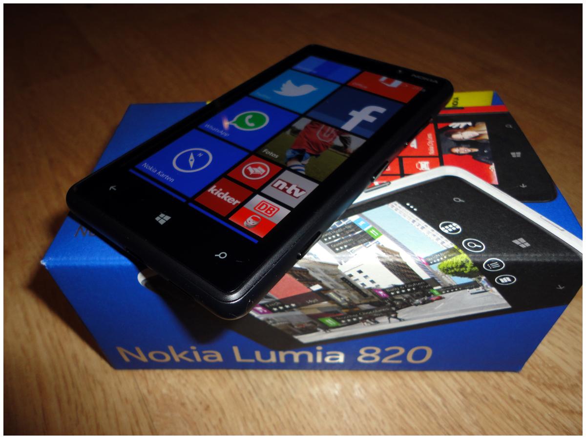 Das Nokia Lumia 820 Im Test Trendlupe Ein Trendiger Blick Auf Touchscreen 920 Display Ist 109 Cm 43 Zoll Gro Und Besitzt Einen Clearblack Oled Bildschirm Mit Einer Auflsung Von 480800 Pixeln