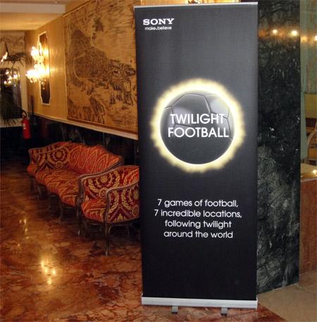 Werbung | Sony Twilight Venedig – Regeln für Fußball im Dämmerlicht